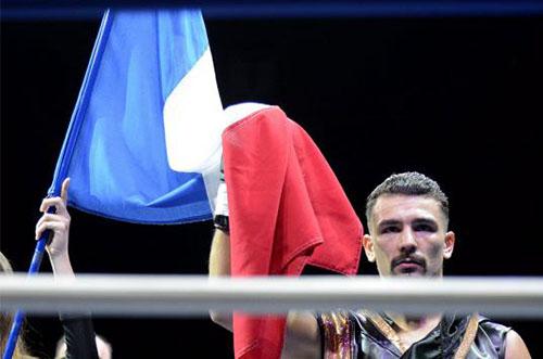 Le Lavallois Jordy Weiss conserve son titre face à José Del Rio